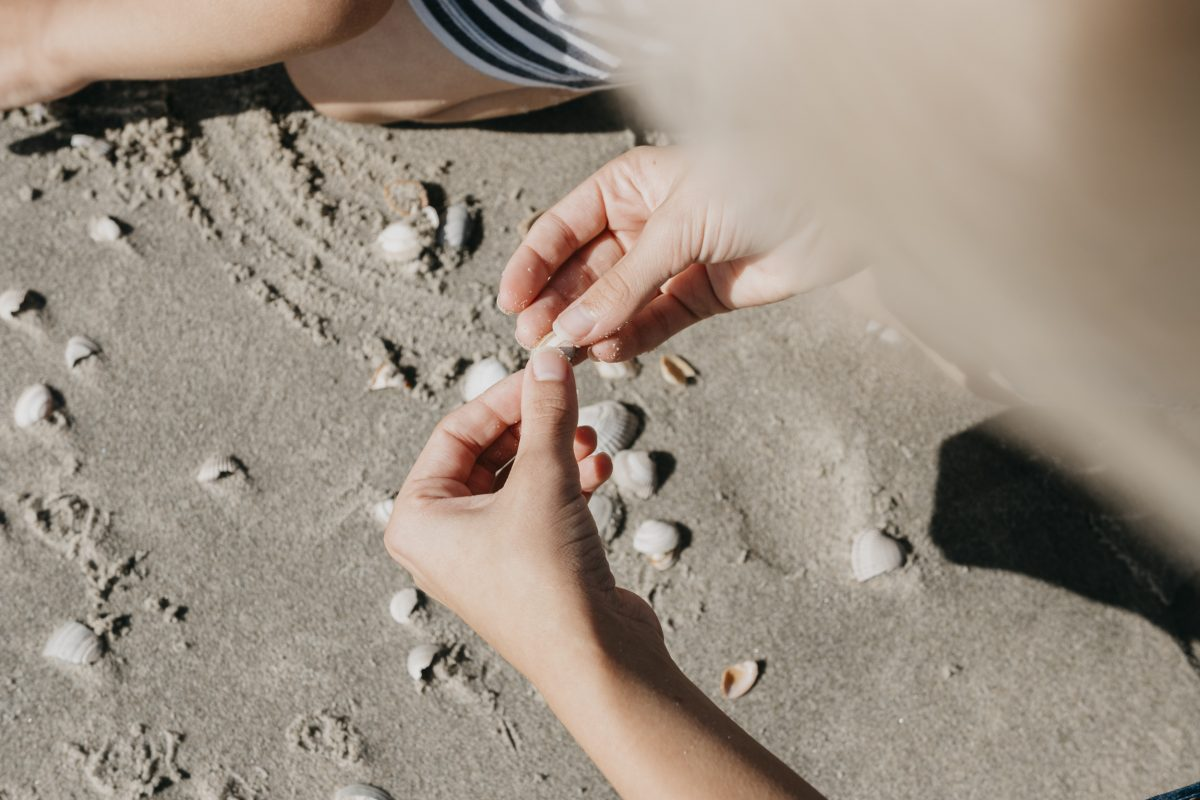 zusjes_on_the_beach_sept._2018_20180919_2448